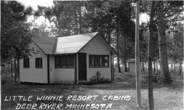 19A-Little-Winnie-Resort-cabin-1930s.tiff.jpg