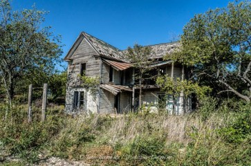 abandoned-farm-house-near-eddy-texas-1_thumb