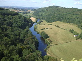 275px-symonds_yat_rock_view