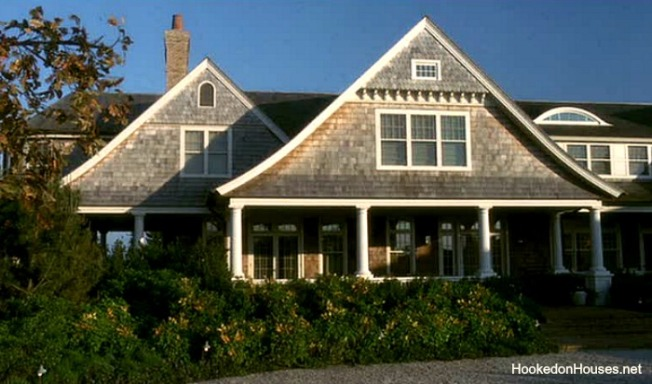 Somethings-Gotta-Give-Hamptons-house-lg