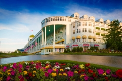 thumbs_grand-hotel-mackinac-island-americas-summer-place