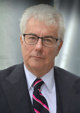 Ken Follett.headshot credit Olivier Favre (1).JPG