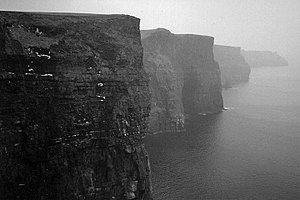 300px-Lightmatter_cliffs_of_moher_in_County_Clare_Ireland