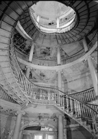 INTERIOR,_SECOND_FLOOR,_SPIRAL_STAIRCASE_AND_CENTRAL_STAIRWELL_-_Welfare_Island,_Insane_Asylum,_New_York,_New_York_County,_NY_HABS_NY,31-WELFI,6-5.tif