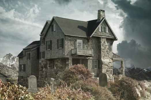 house-cemetery-haunted-house-house-near-the-cemetery-366282.jpeg