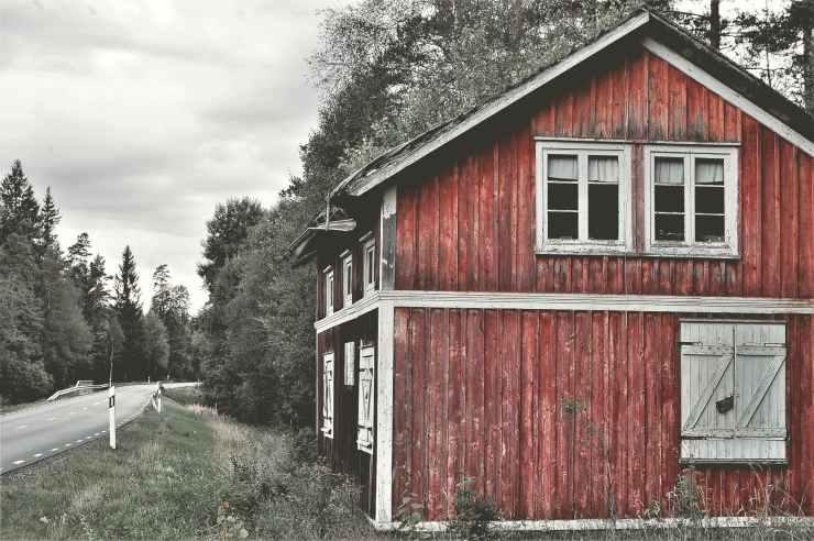 abandoned architecture barn bungalow