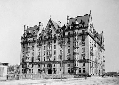 The_Dakota_1890b