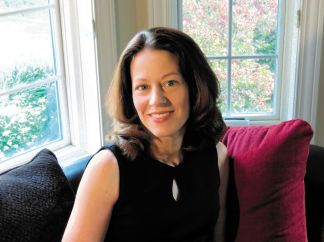 Jennifer Chiaverini Author Photo